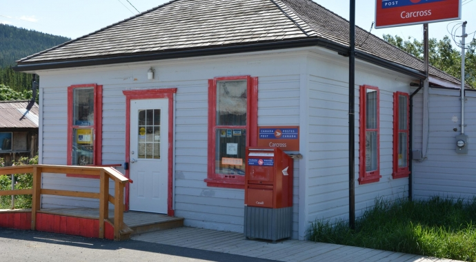 Carcross post office used by Canadian online fabric shop Woven Modern Fabric Gallery